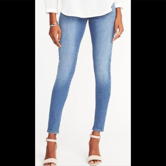 e4bb0243190 Mid-Rise Built-In Sculpt Rockstar Jeggings. NWT. Old Navy